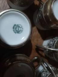 Antigo Conjunto de cafezinho Porcelana e Prata 800