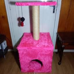 Brinquedo Arranhador com Toca para Gatos