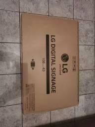 Tv  monitor 43 polegadas na caixa