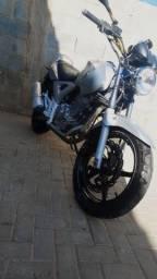 Título do anúncio: CBX twister 250 cc