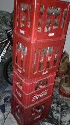 Vasilhames de coca-cola e fanta