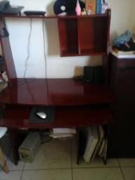 Mesa de computador usada em Mongaguá