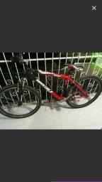 Vendo essa bicicleta de alumínio