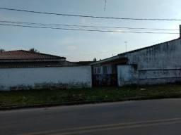 Casa de esquina na vila guarani