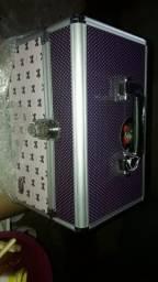 Vendo uma maleta completa nova