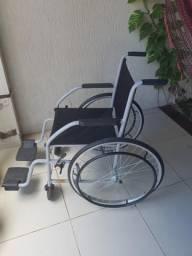 Cadeira de rodas novinha