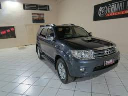 Toyota Hilux SW4 SRV 3.0 7 Lugares - 2011