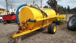 Distribuidor de Adubo/Tanque Daol Mepel 4000L, ano 2004 - Trator