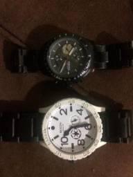 4fdbb438033 Relógio nixon e fóssil em ótimas condições