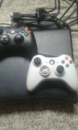 Xbox 360 destravado 2 controles
