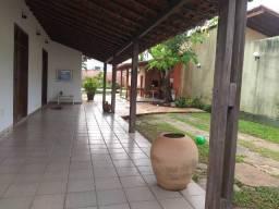 Vendo casa no Calhau, próxima da Avenida da Litorânea, nascente, com excelente localização