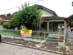 Marcelo Leite Vende Casa no Centro c/ excelente terreno de esquina