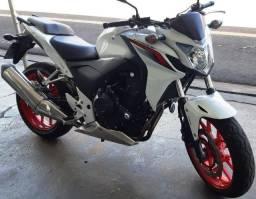 Honda CB-500F 2015 (Automais Veículos)