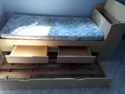 Cama de solteiro,com dois gaveteiros cama auxiliar com colchao e bau