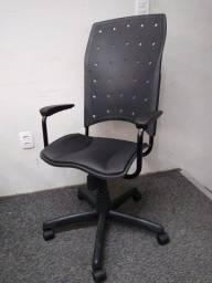 Título do anúncio: Cadeira Presidente Ergoplax Giratoria
