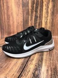 Título do anúncio: Tênis Nike Vomero 15