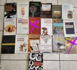 Livros letras e Pedagogia