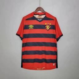 Camisas de times de futebol, nacional e europeu