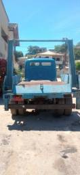 Caminhão Mercedez Benz - Freio a Ar e direção hidráulica.