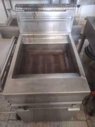 Título do anúncio: Vendo uma fritadeira Tresco 30 LT industrial de inox a gás c/ start elétrico