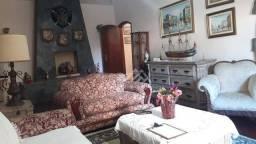 Título do anúncio: Casa à venda, 340 m² por R$ 1.400.000,00 - Chácara dos Cravos - Poços de Caldas/MG