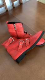 Bota da Schutz em couro vermelha 39