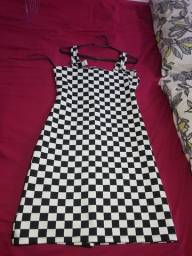 Título do anúncio: Vestido xadrez novíssimo