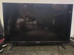 Televisão TV 32 polegadas Semp Toshiba com defeito.