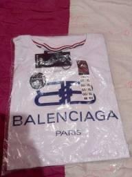 Título do anúncio: Vendo camisa Balenciaga paris