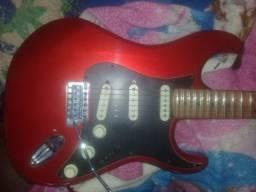 Vendo Guitarra Tagimo TG550  Cor vermelha