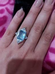 Anel prata com zircônia azul