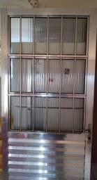 Porta de alumínio social altura 210,05 comprimento 80,02