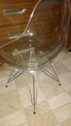 Cadeira Transparente Eiffel