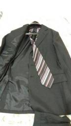 Terno usado apenas 2x cia do terno