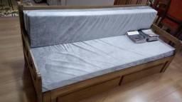 Sofá cama todo em madeira maciça