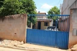 Casa com 4 kit Dando Renda 2.800.00 mes Vicente Pires