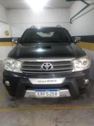 Toyota Hilux SW4 SRV 3.0 4x4 Turbo diesel Automática 2011 - 2011
