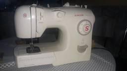 Ótima maquina de costura singer fashion