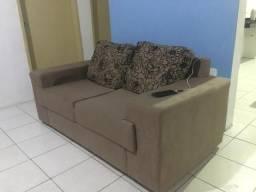 Vende-se dois sofás . De dois e três lugares