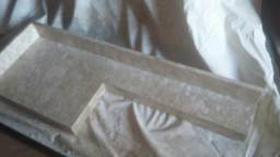 Pia no mármore travertino