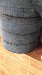 Vendo pneus aro 13 uzados. *