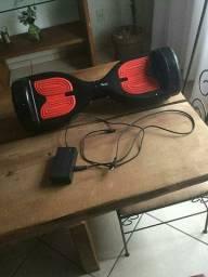 Skate Elétrico Hoverboard 6,5 polegadas preto e vermelho LED e Bluetooth Foston<br><br><br>