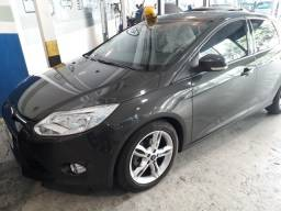 Vendo focus sedan 2014