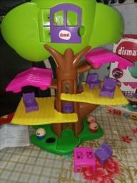 Título do anúncio: Casinha na árvore  NOVO na caixa.