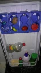Vendo um frigobar