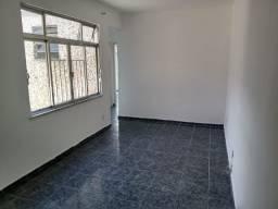 Título do anúncio: Apartamento 02 Quartos, Sala, Cozinha, Garagem etc... em Vista Alegre