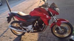 Título do anúncio: Vende-se Honda CB 300 2014