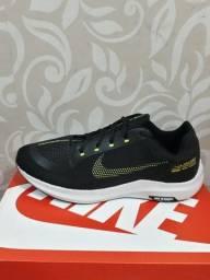 Título do anúncio: Tênis Nike grátis um par de meias