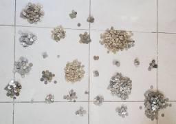 Vende-se diversos tipos de moedas