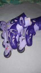 Vendo esse patins, usado. Ele tem regulador do número 34 ao37